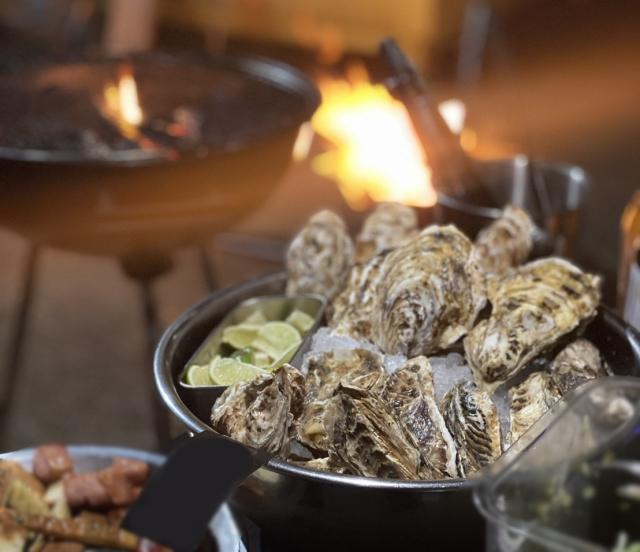 久米島の海洋深層水で浄化した旬の国産真牡蠣10個 +ガーリックオリーブオイル200g【送料込み】冷蔵発送